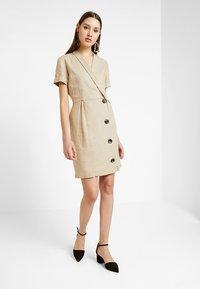 Vila - VISEMAH DRESS - Sukienka koszulowa - soft camel - 1