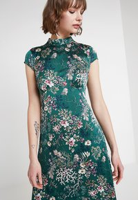 Vila - VIGILLAS CAP SLEEVE DRESS - Maxi dress - garden topiary - 3