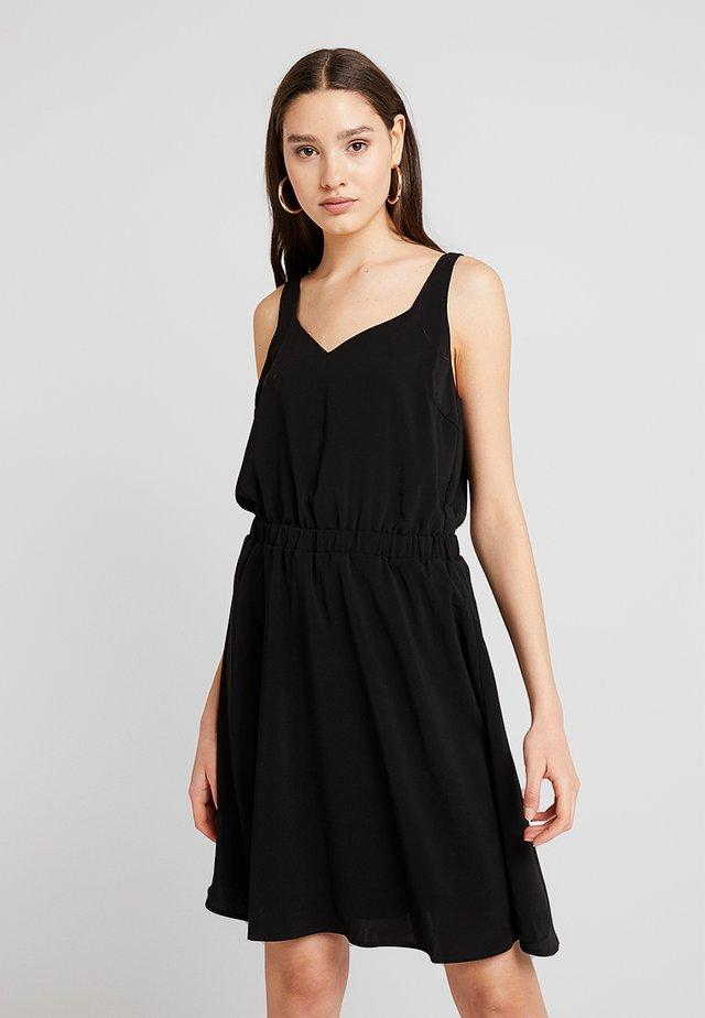VILAIA - Korte jurk - black