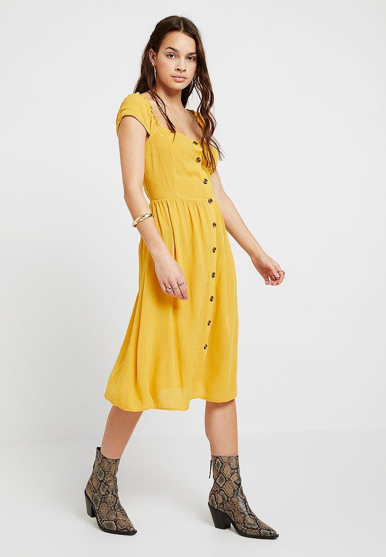 Vila - VISUNNY BUTTON DRESS - Blusenkleid - golden rod