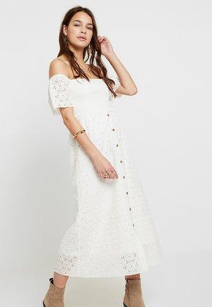 VICOMU DRESS - Maksimekko - snow white