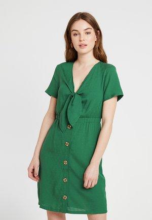 VIMANI DRESS - Skjortekjole - green