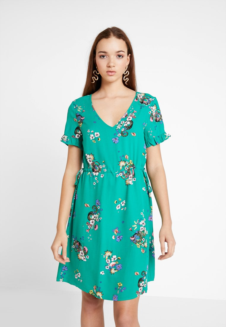Vila - VIBIRDON SALIA DRESS - Freizeitkleid - pepper green
