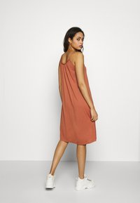 Vila - VIFIONA STRAP DRESS - Jerseyjurk - copper brown - 3