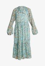 VIFALIA MIDI DRESS - Denní šaty - blue haze