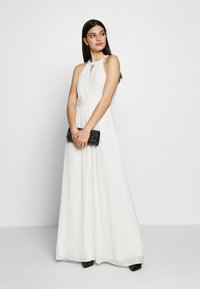 Vila - VIMILINA HALTERNECK MAXI DRESS - Abito da sera - cloud dancer - 2