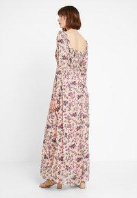 Vila - VISALIA SMOCK MAXI DRESS - Robe longue - ash rose - 2
