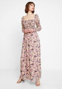 Vila - VISALIA SMOCK MAXI DRESS - Robe longue - ash rose - 0