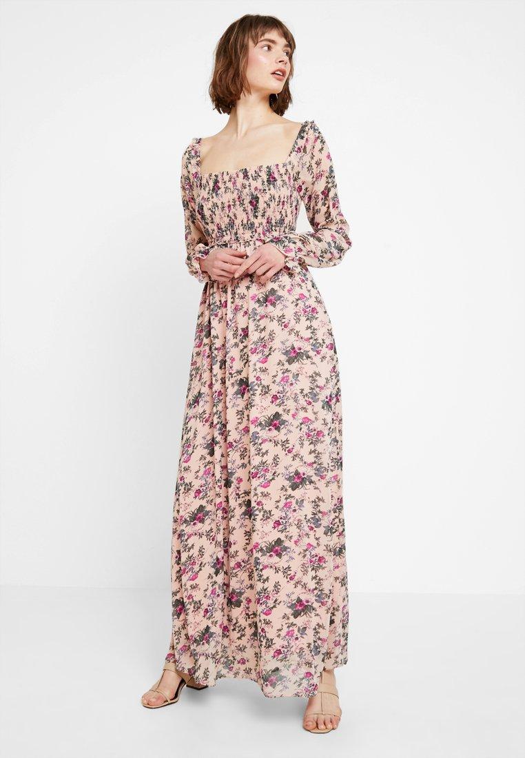 Vila - VISALIA SMOCK MAXI DRESS - Robe longue - ash rose
