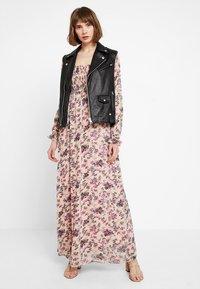 Vila - VISALIA SMOCK MAXI DRESS - Robe longue - ash rose - 1