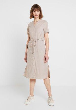 Denní šaty - soft camel