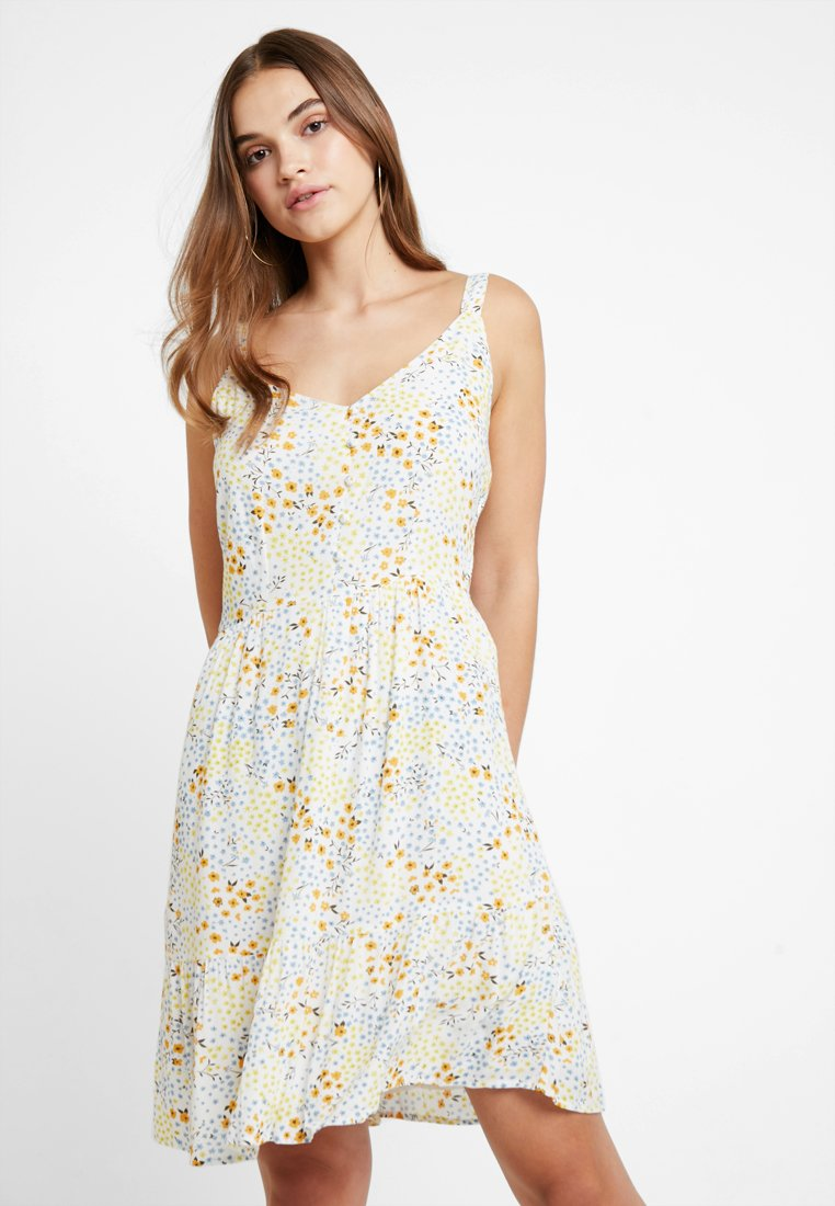 Vila - VIMOSALY PRIMROSE DRESS - Day dress - cloud dancer