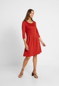 Vila - VITINNY  3/4 SLEEVE DOLL DRESS - Jersey dress - ketchup - 2