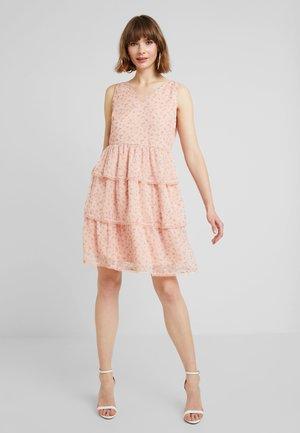 VIBRIA DRESS - Denní šaty - rose smoke