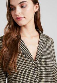 Vila - VIBRO DRESS - Robe chemise - black/white/golden rod - 5