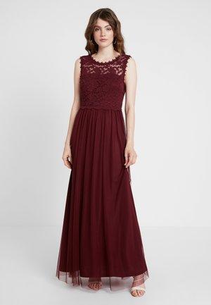 Společenské šaty - tawny port