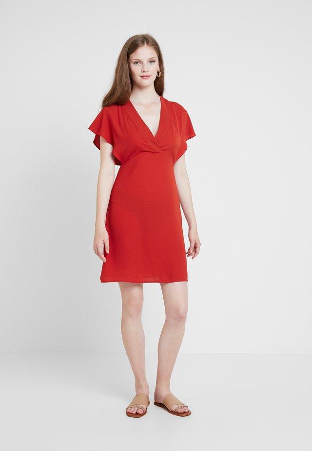VIJAHULA DRESS - Korte jurk - ketchup