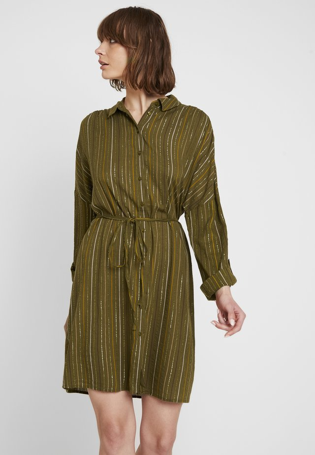 VILURANA DRESS - Korte jurk - dark olive/combo