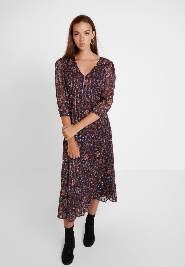 VIMAISAPAISA MIDI 3/4 SLEEVE DRESS - Korte jurk - dark purple