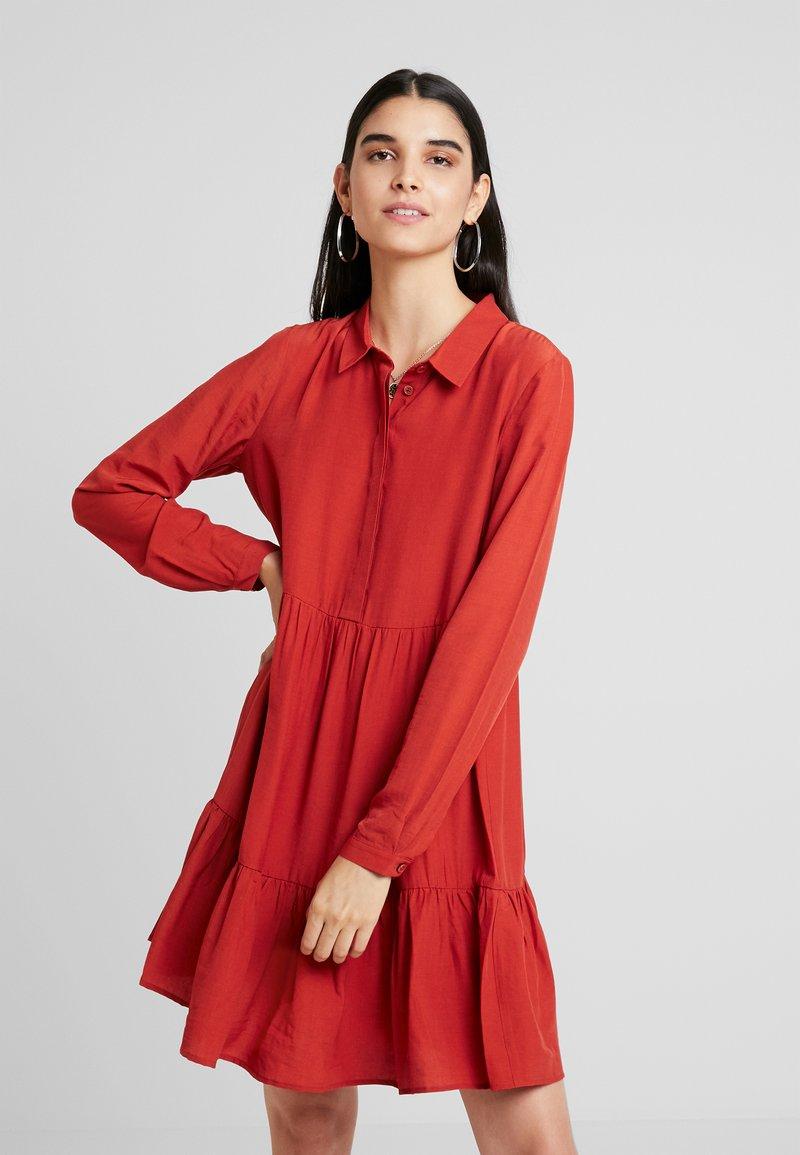 Vila - VIMORAS DRESS - Blusenkleid - ketchup