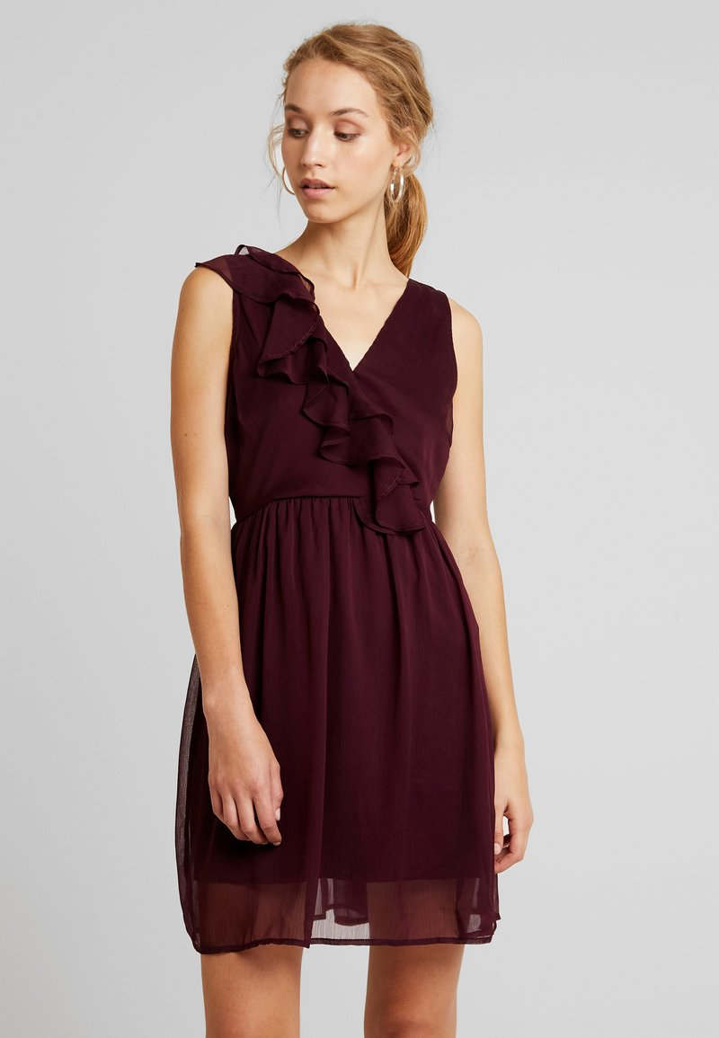 Vila - VIFLOUNCY DRESS - Cocktail dress / Party dress - winetasting