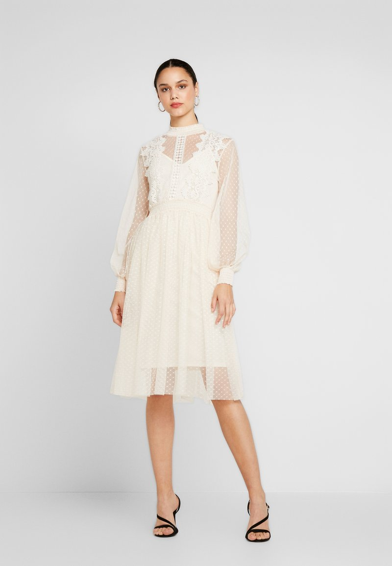 Vila - VIAMA DRESS - Cocktailkleid/festliches Kleid - off-white