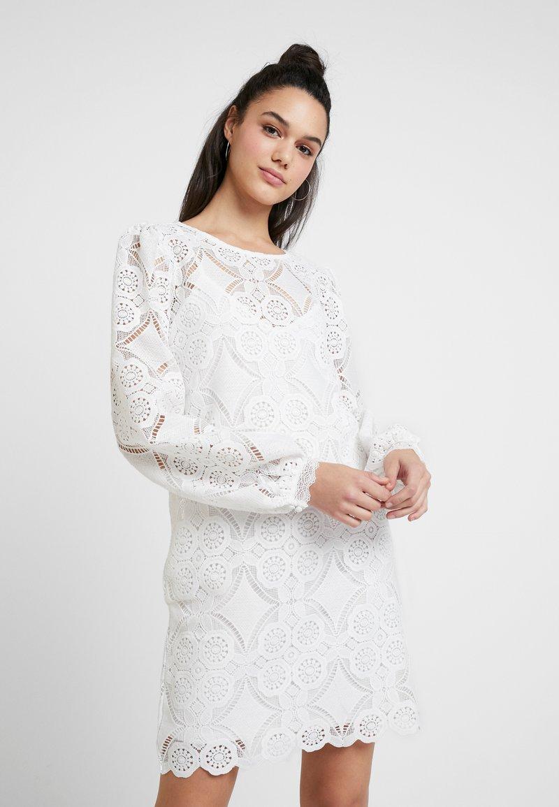 Vila - VIRASMI NEW DRESS - Robe de soirée - cloud dancer