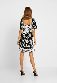 Vila - Denní šaty - black/white - 3