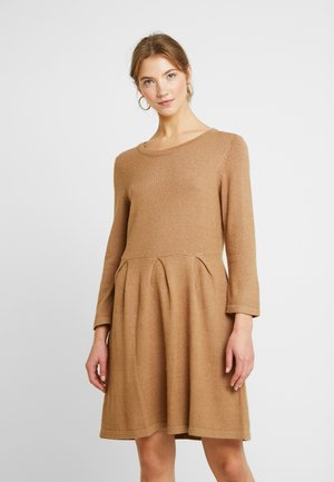 Jumper dress - tigers eye