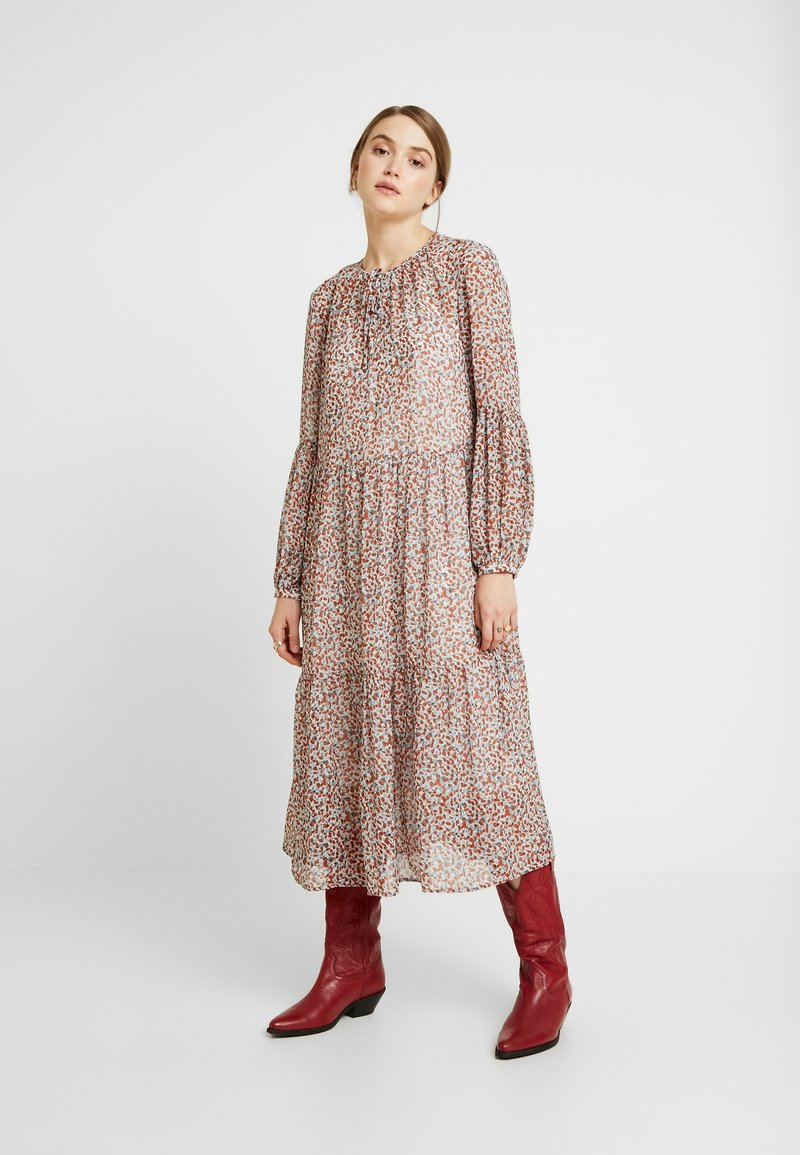 Vila - Denní šaty - cloud dancer/caramel
