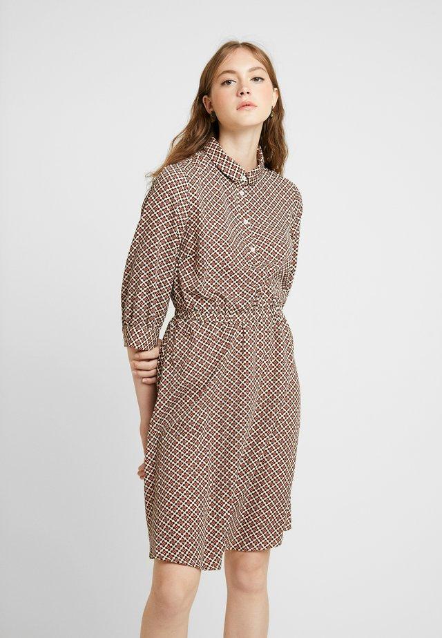 Day dress - sesame/navy blazer