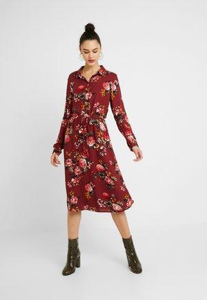 Denní šaty - tawny port