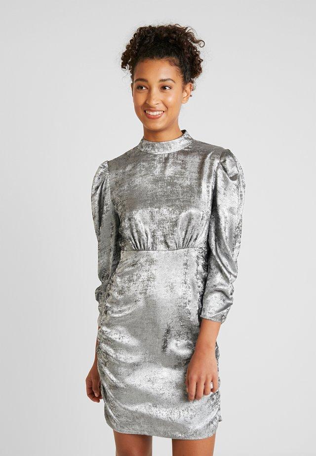 Vardagsklänning - silver
