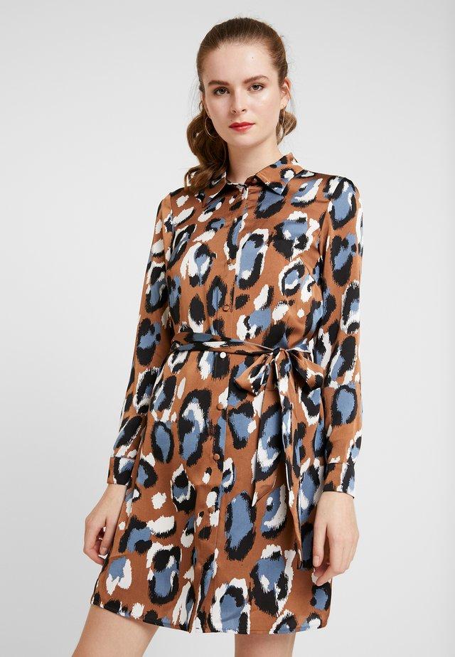 VIBLUME  - Shirt dress - rawhide/blue/black/white
