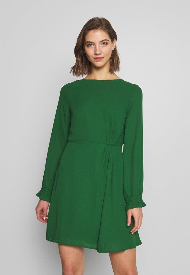 VISALLY GATHER DRESS - Korte jurk - eden
