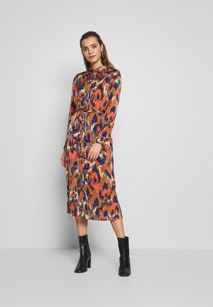 VIJOLIE MINDA SHIRT DRESS - Kjole - rawhide/minda