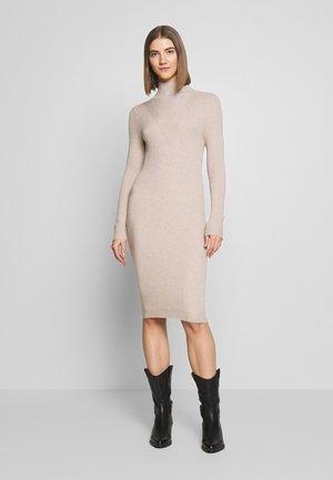 VIANDENA  - Vestido de punto - sand