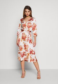 Vila - VILIVA NEW MEDI BELT DRESS - Kjole - cloud dancer/red/beige - 0