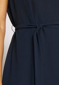 Vila - VIZENTA PEARL TIE DRESS - Robe d'été - navy blazer - 5