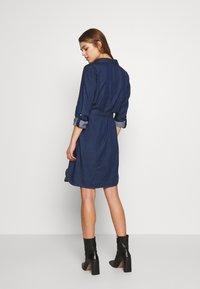 Vila - VIBISTA BELT DRESS - Dongerikjole - dark blue - 2