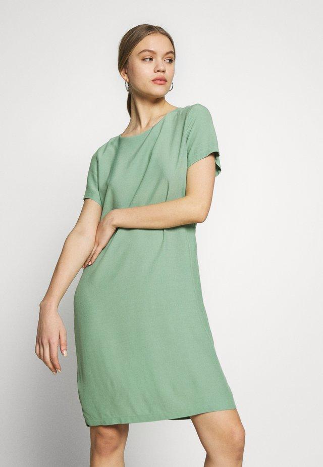 VIPRIMERA DRESS - Korte jurk - loden frost