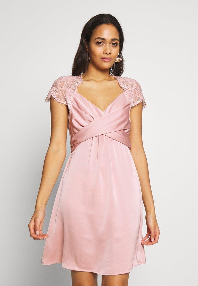 VISHEA CAPSLEEVE DRESS - Vestido de cóctel - pale mauve