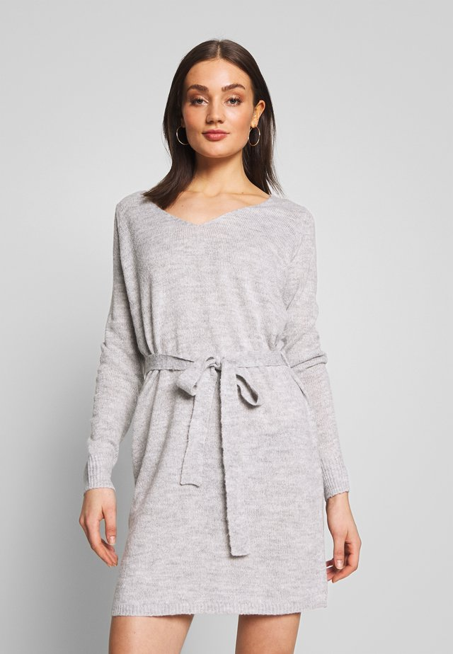 VISURIL V-NECK  SHORT DRES - Gebreide jurk - light grey melange