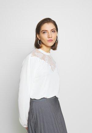 VISUVITA  - Bluser - white alyssum