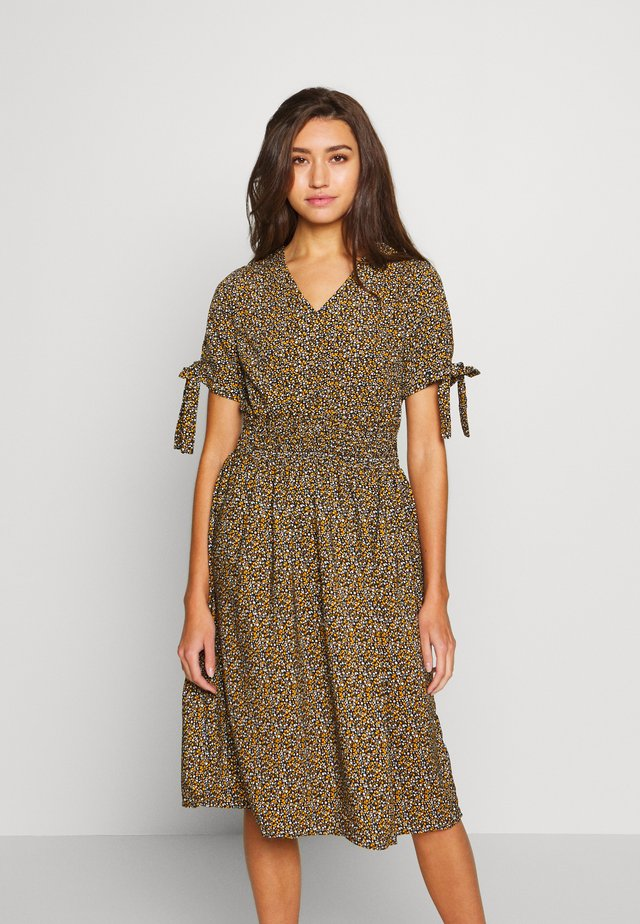 VISORRENTO SMOCK MIDI DRESS - Korte jurk - black/yellow