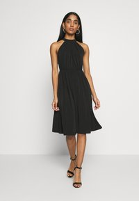 Vila - VIOCENNA WRINKLE EFFECT DRESS - Jerseyjurk - black - 0