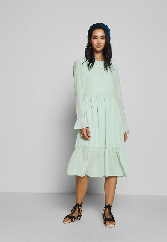 VIKATHRINE KNEE DRESS - Day dress - cameo green