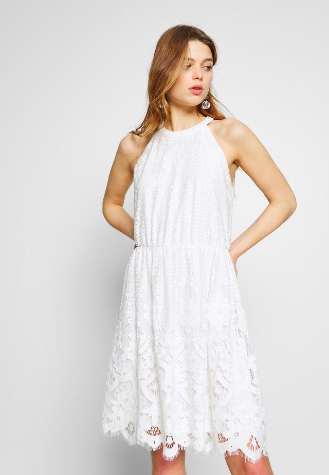 VIELVAS DRESS - Vestido informal - cloud dancer