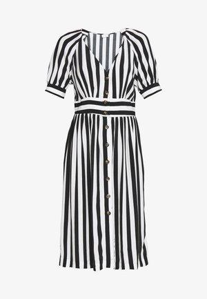VISUSASSY DRESS - Vardagsklänning - white alyssum/black