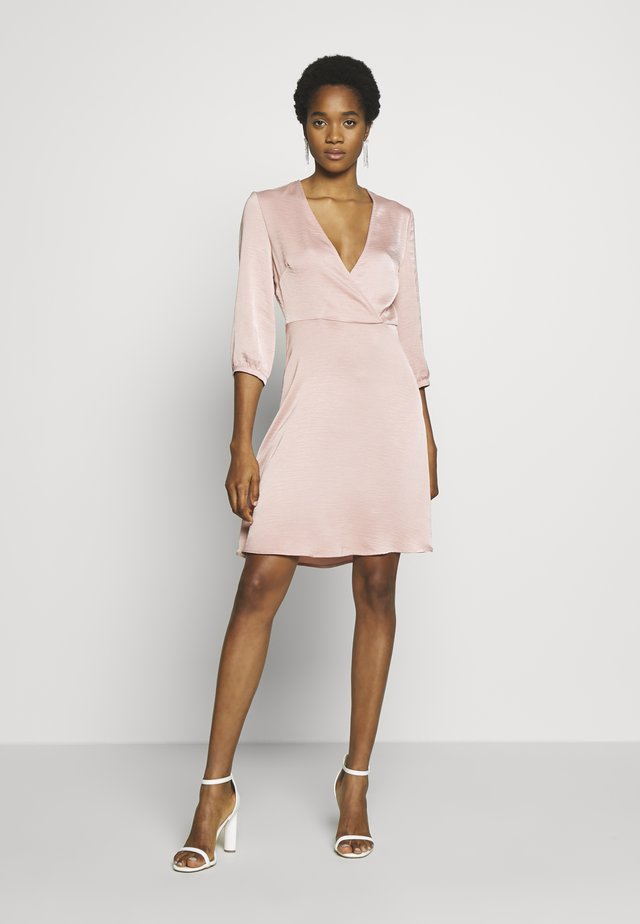VIZIPPA WRAP EFFECT DRESS - Cocktailjurk - pale mauve